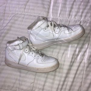 White High Top Air Force 1s Women's 8.5